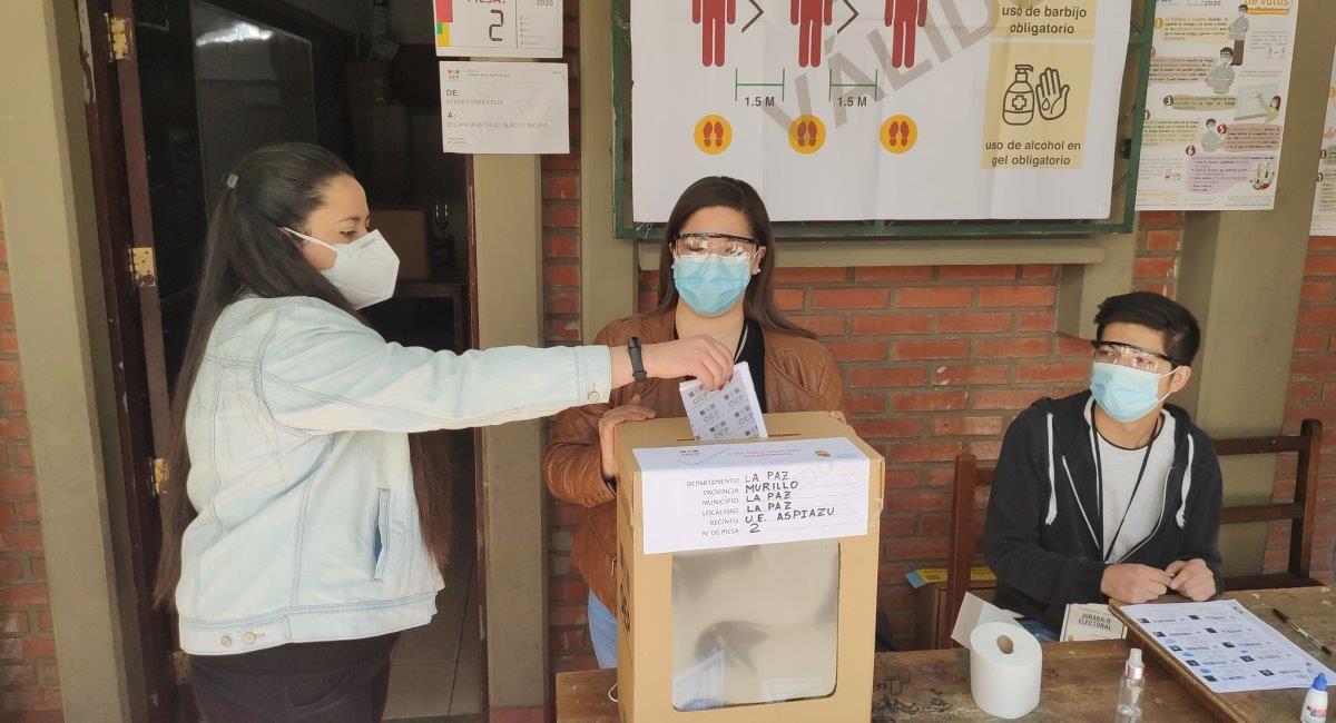 Simulacro de la jornada electoral. Foto: Twitter @TSEBolivia