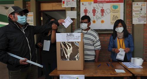 Unas atípicas elecciones con mascarilla por la pandemia también en Bolivia