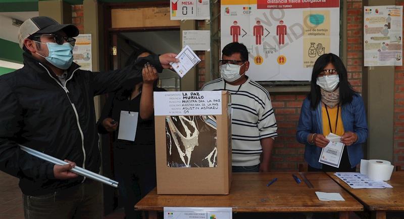 Elecciones atípicas en Bolivia por la pandemia. Foto: EFE