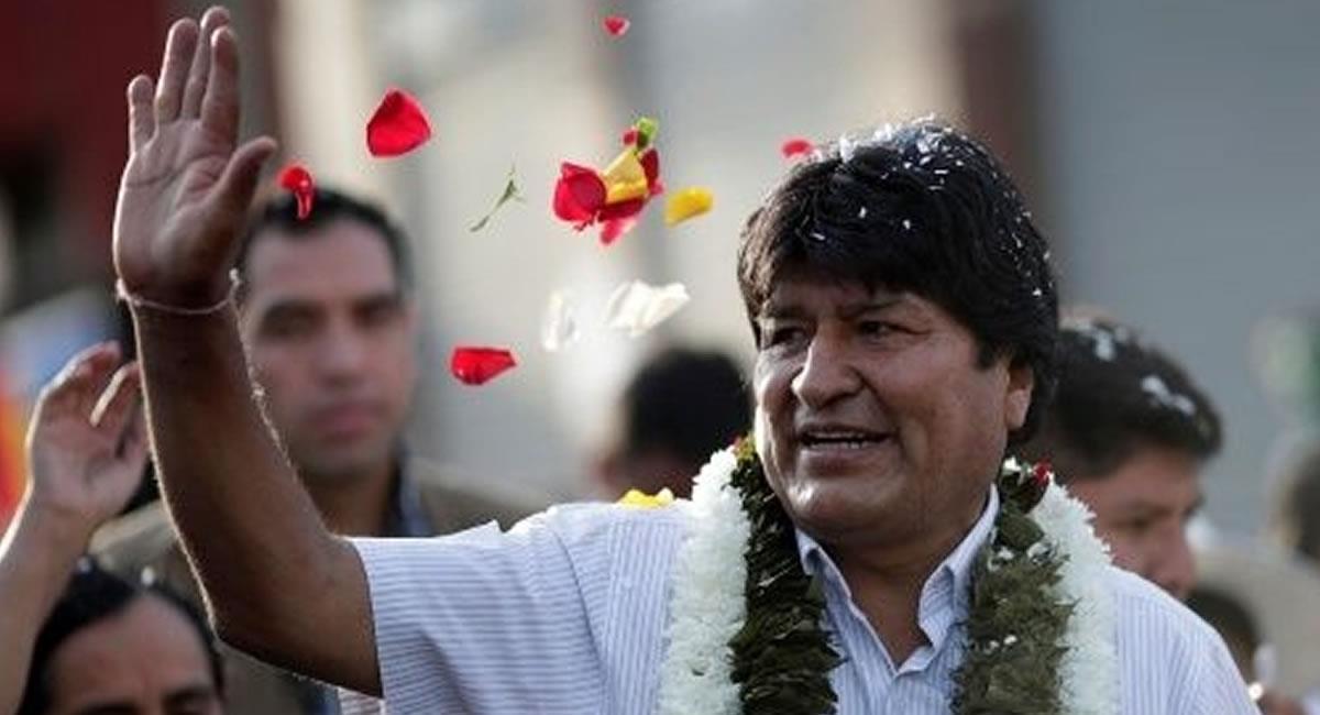 Son más de 120.000 bolivianos que viven en el país argentino que, además han sido habilitados para votar en los comicios generales de Bolivia. Foto: ABI