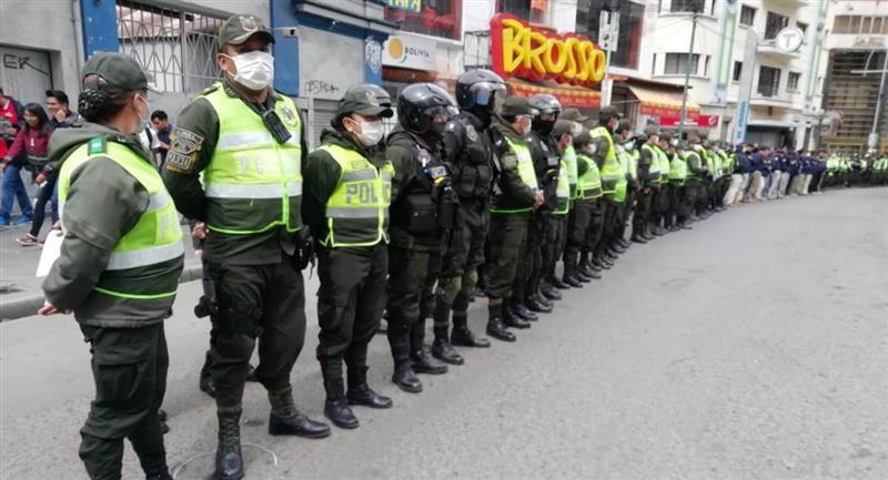 32.000 efectivos de la Policía y FF.AA. controlarán las elecciones. Foto: ABI