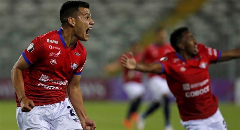 Moisés Villarroel celebra el único gol de la noche. Foto: EFE
