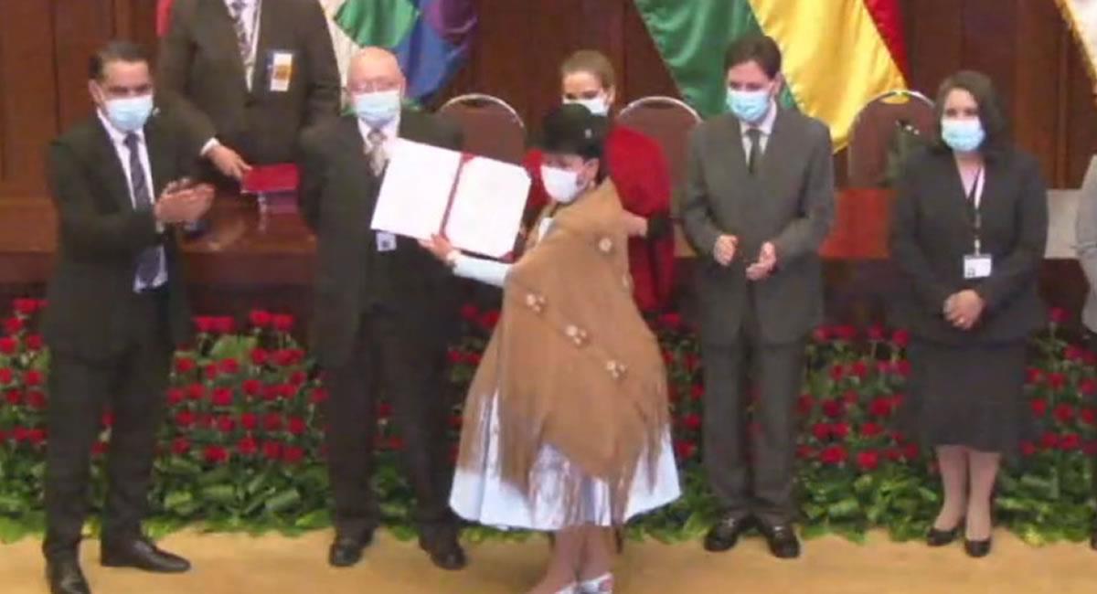 El presidente destacó además la presencia de muchos parlamentarios jóvenes y de la diversidad cultural y étnica de Bolivia. Foto: ABI