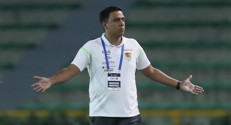 El técnico de la selección boliviana, César Farías. Foto: EFE