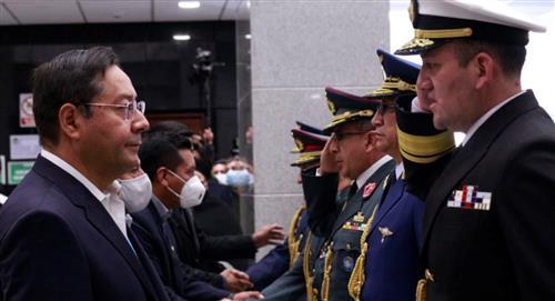 """Arce pide al nuevo mando militar de Bolivia """"defender la democracia"""""""