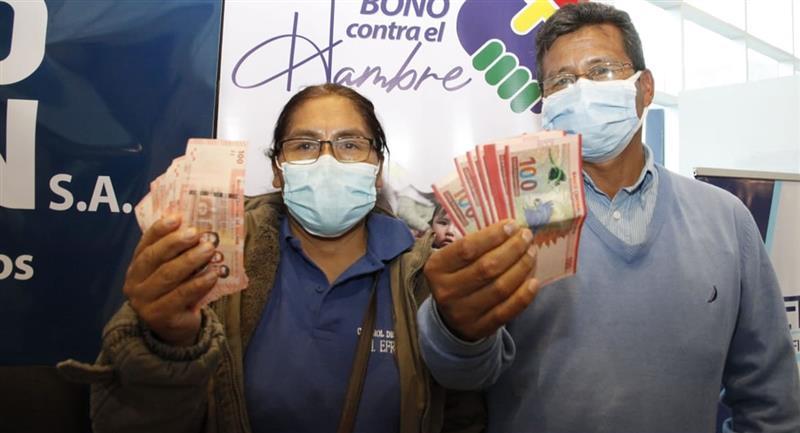 El Gobierno boliviano inició el pago del Bono Contra el Hambre. Foto: ABI