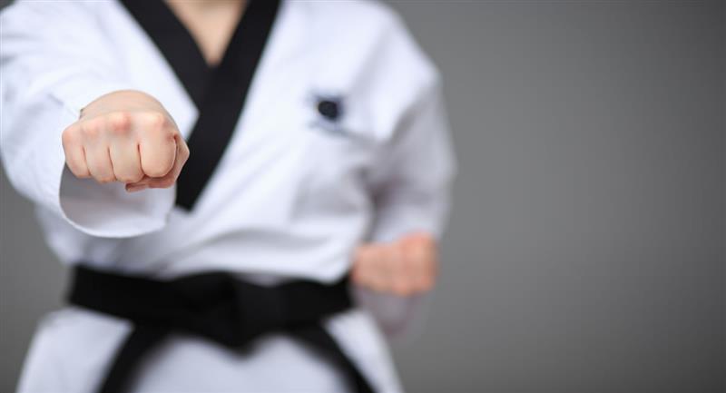 Kata es la modalidad de karate que se basa en las formas técnicas de ataque, defensa y contragolpe. Foto: Shutterstock