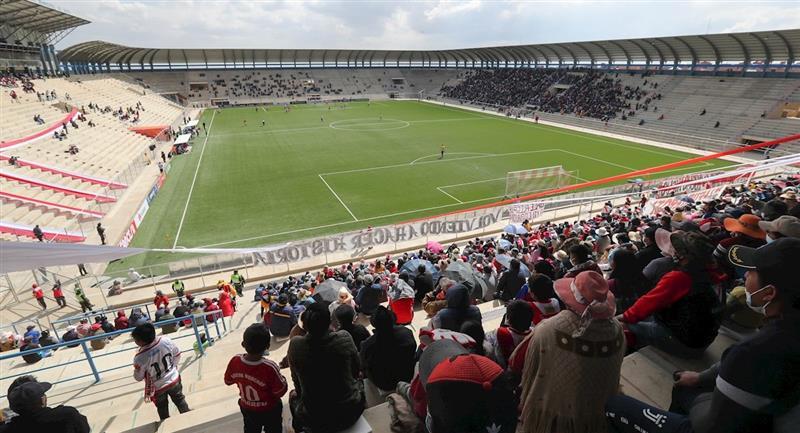 Always Ready vs Nacional Potosí, el primer partido con público en el reinicio del Apertura. Foto: EFE