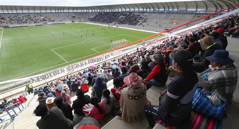 Always Ready vs Nacional Potosí, el primer partido con público luego del retorno del fútbol. Foto: EFE