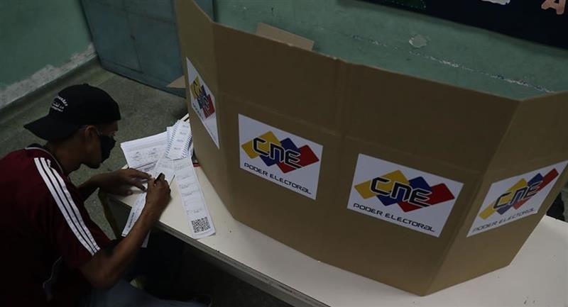 El chavismo se proclamó vencedor por un amplio margen y en un contexto de baja participación. Foto: EFE