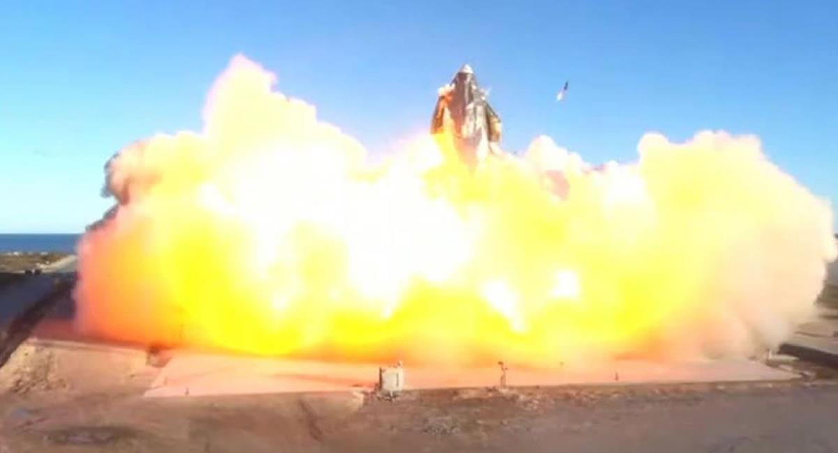 Momento en el que impactó la nave de SpaceX. Foto: EFE