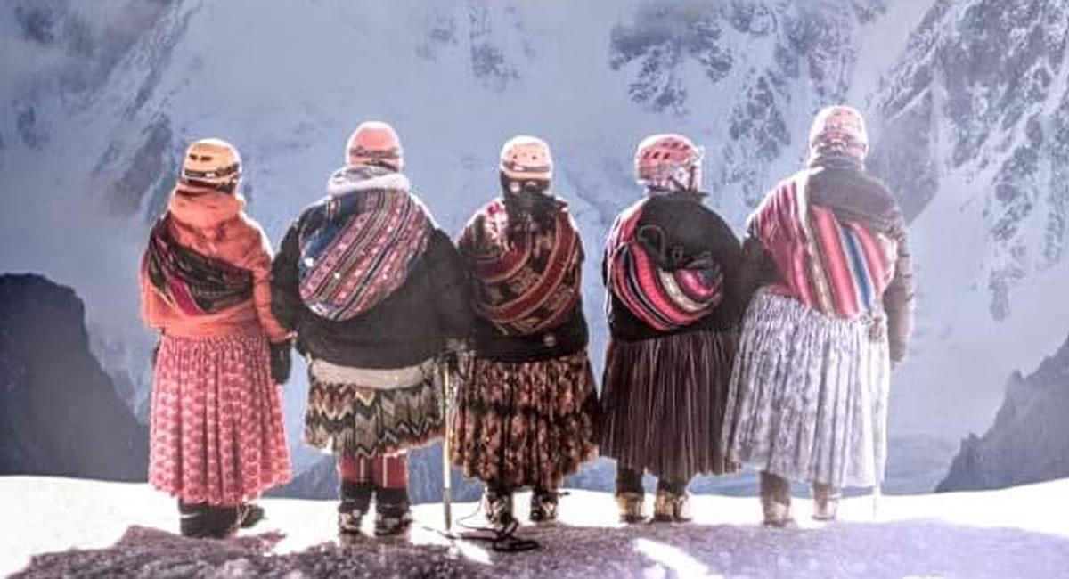 El filme fue dirigido por los españoles Jaime Murciego y Pablo Iraburu. Foto: Facebook Cholitas Escaladoras De Bolivia
