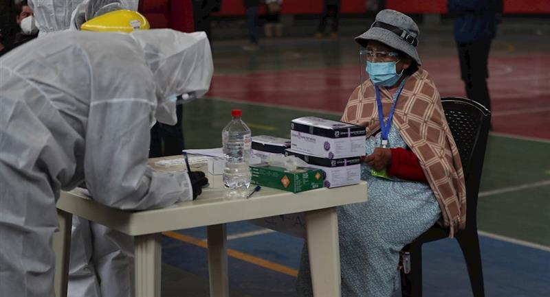 Sedes La Paz realiza pruebas covid-19. Foto: EFE