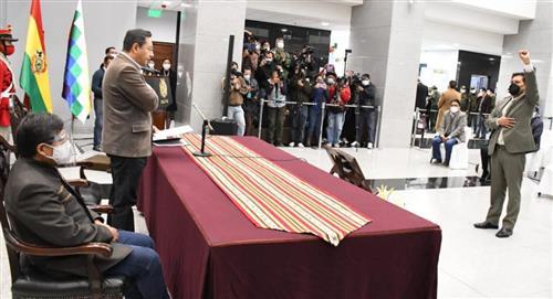 Presidente posesiona a Jeyson Auza Pinto como nuevo Ministro de Salud y Deportes