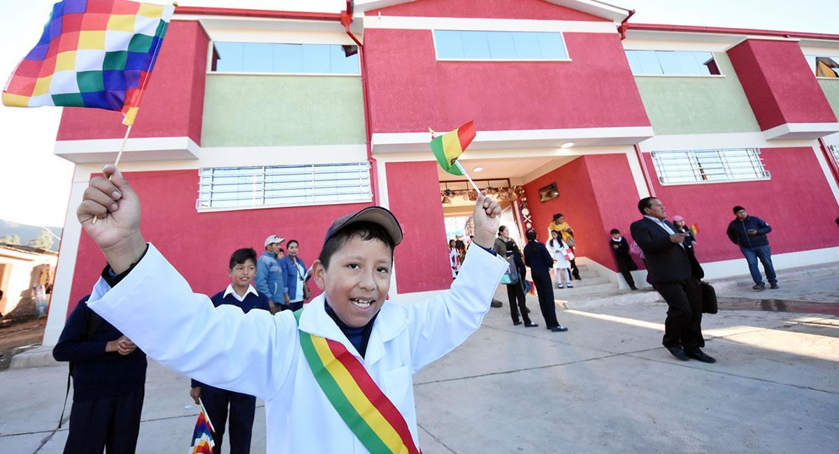 El inicio escolar se reiniciará bajo tres modalidades. Foto: ABI