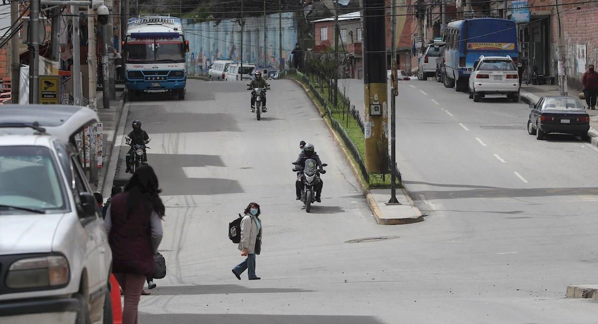 Huelga parcial chóferes bolivianos piden diferir pago de préstamos