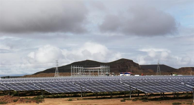 Planta de energía solar en Oruro. Foto: ABI