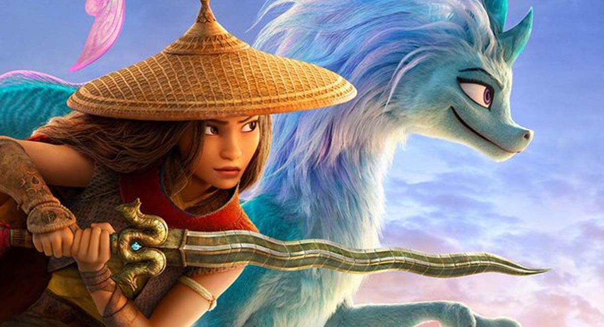 La película sería la primera de Disney en tener un estreno simultáneo en cines y en Disney+. Foto: Twitter @DisneyRaya