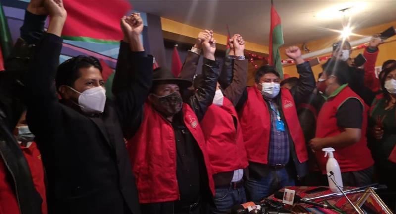 Agrupación Jallalla presenta a Santos Quispe como candidato a la Gobernación de La Paz. Foto: ABI