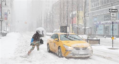 Una gran tormenta de nieve azota a Nueva York y al noreste de Estados Unidos