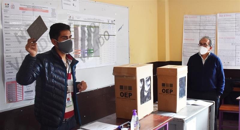 Capacitación de jurados electorales. Foto: ABI