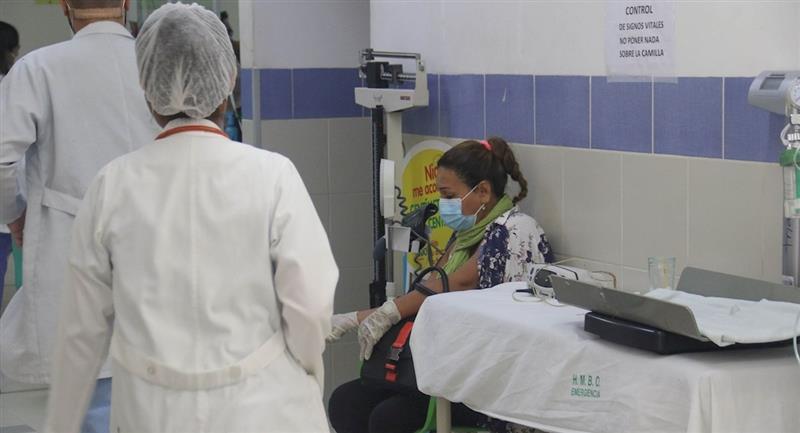 El sector salud mantiene un paro médico. Foto: EFE