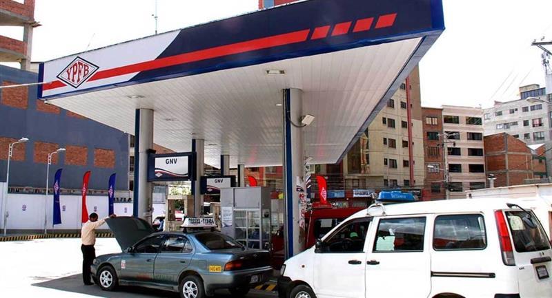 YPFB garantizó el abastecimiento de combustibles. Foto: ABI
