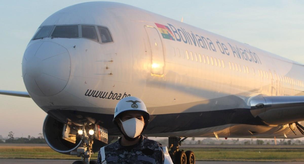 Avión del BoA con las vacunas Sinopharm. Foto: EFE