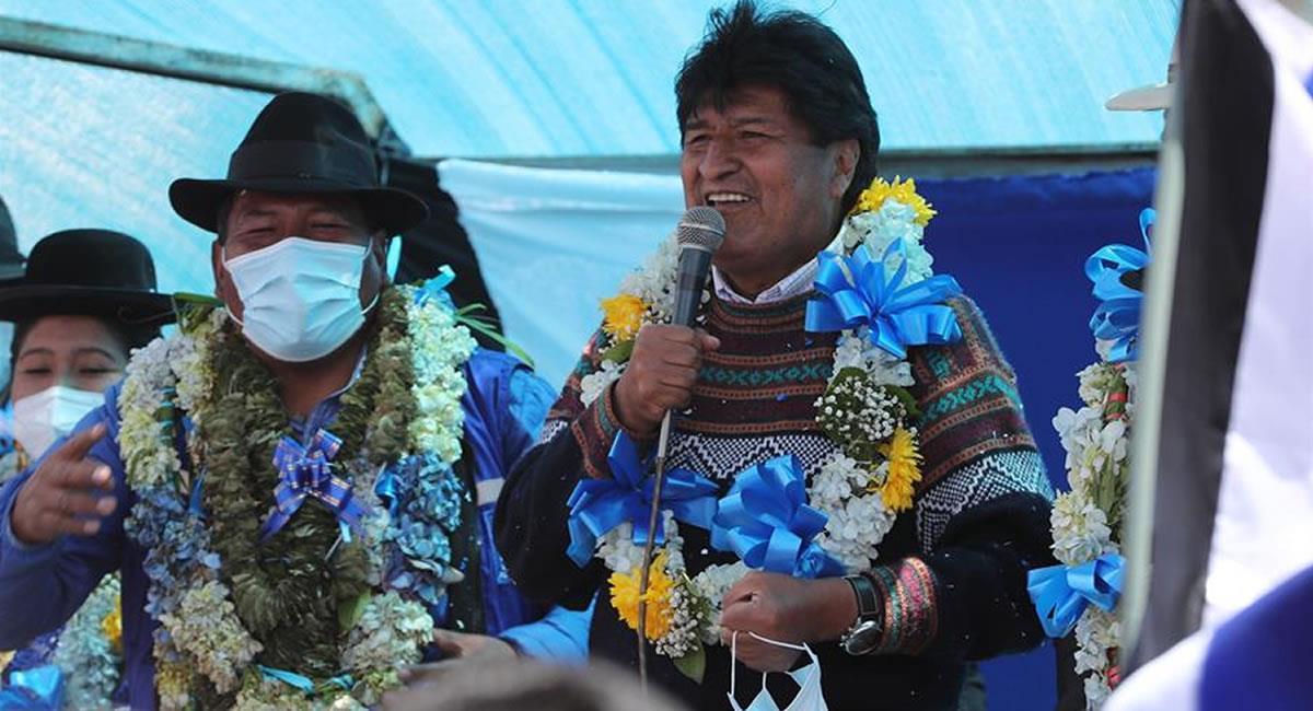 Expresidente de Bolivia, Evo Morales junto al candidato a la alcaldía de El Alto, Zacarías Maquera. Foto: EFE