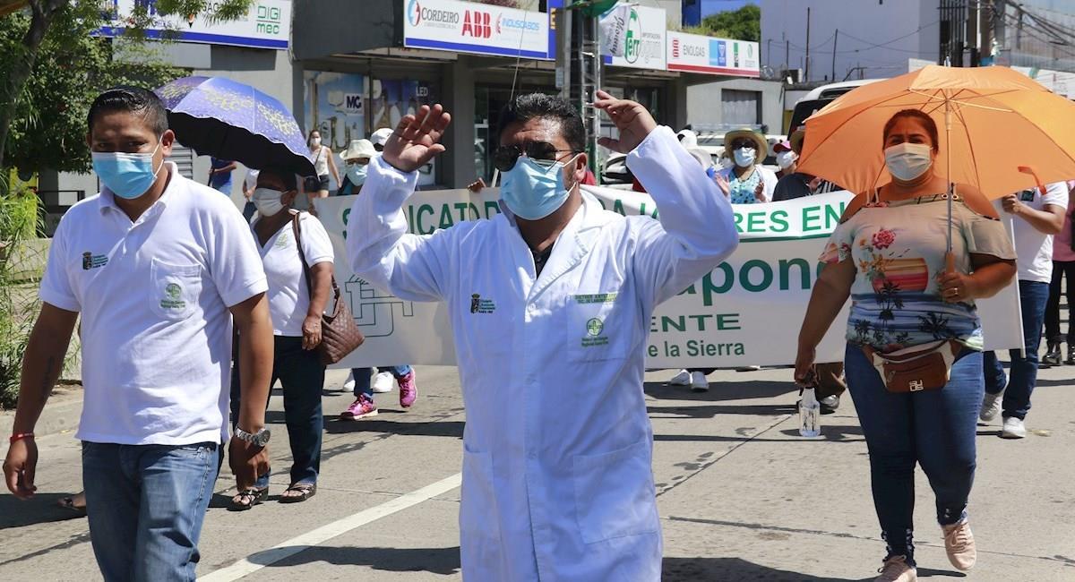Protestas del sector médico en Santa Cruz. Foto: EFE