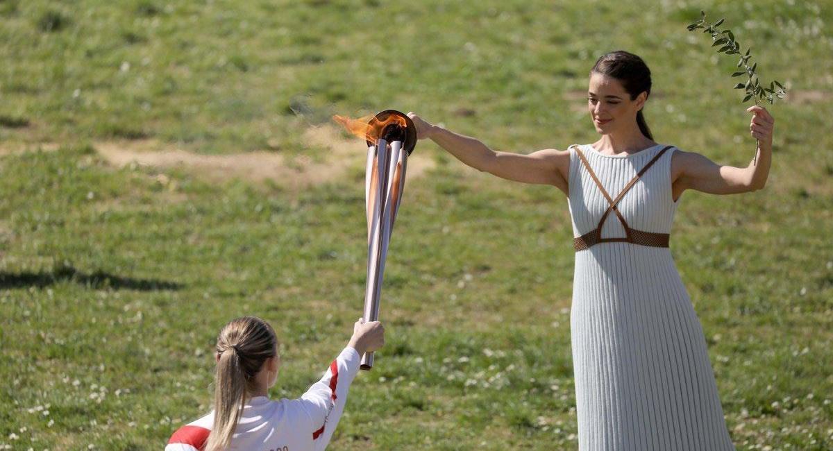 La antorcha olímpica con medidas anti-covid. Foto: Twitter @Tokyo2020es