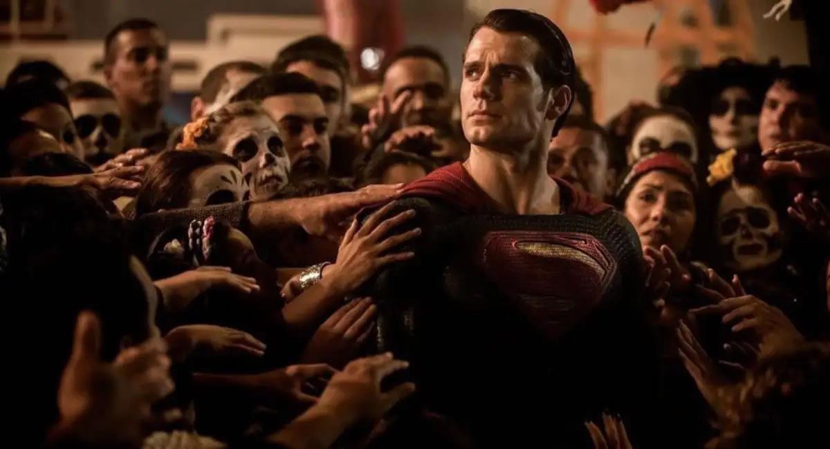 Warner Bros prepara el regreso de 'Superman'. Foto: Twitter @CineLlevar