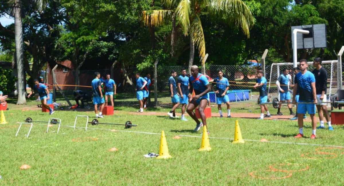 Entrenamiento de los jugadores de Guabirá. Foto: Facebook @ClubGuabiraOficial