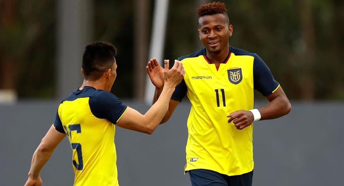 Ecuador celebrando un gol, en un partido amistoso entre las selecciones nacionales. Foto: EFE