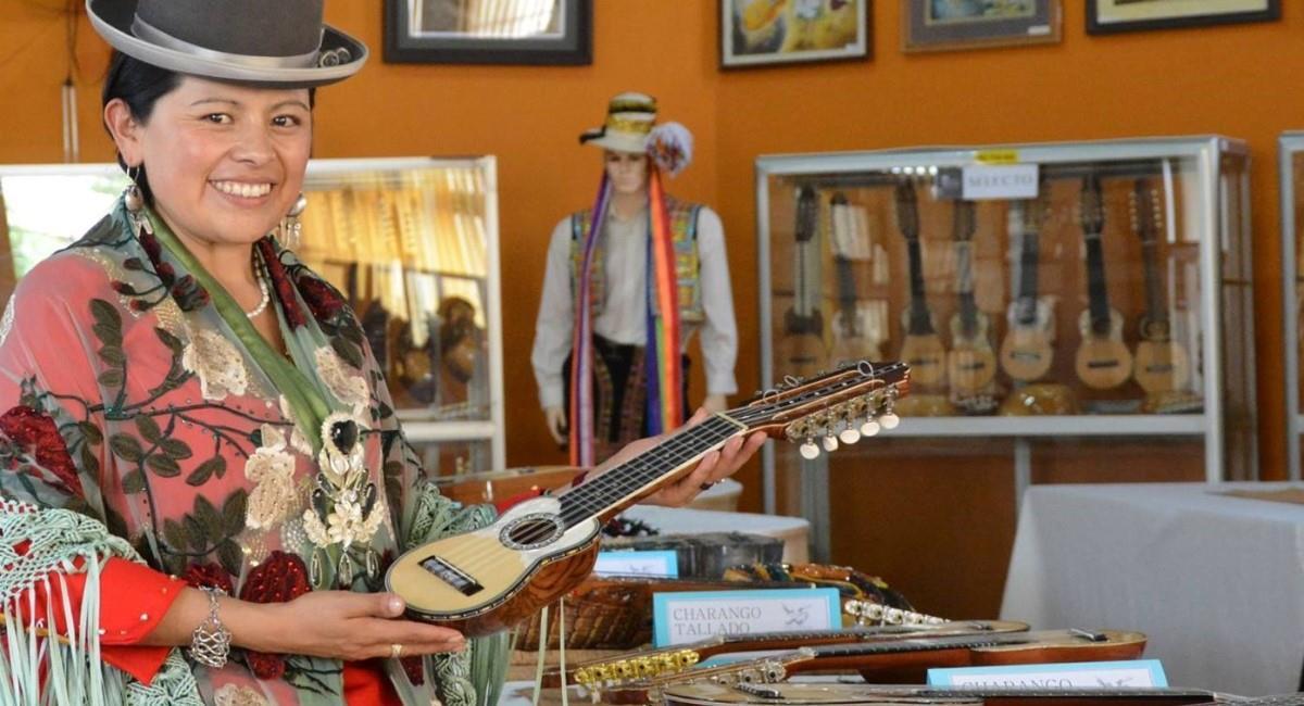 Este 6 de abril se recuerda el Día del Charango. Foto: ABI