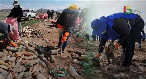 El lago Uru Uru, de refugio de animales a cementerio de plástico