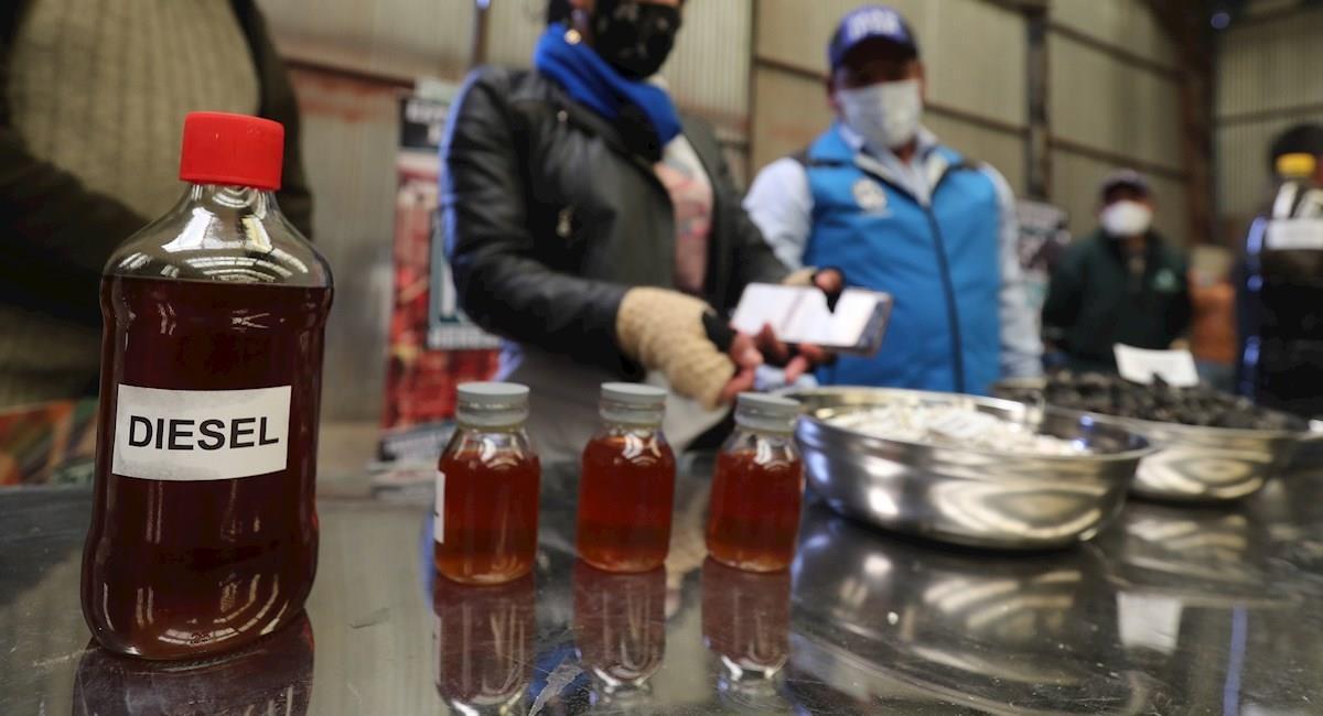 """El """"microreactor de conversión de la basura en diésel"""" produce combustible a partir de desechos. Foto: EFE"""
