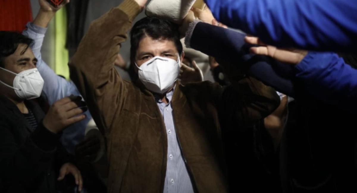Político de izquierda Pedro Castillo, quien, según datos a boca de urna, lidera la votación en el país andino. Foto: ABI