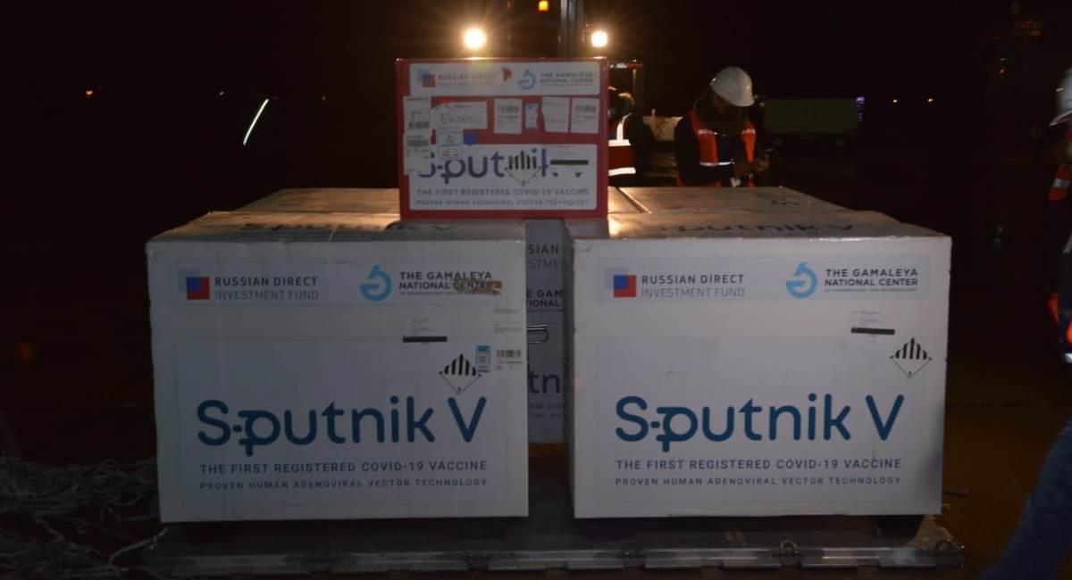 Lote de vacunas Sputnik V que llegó a Bolivia. Foto: ABI