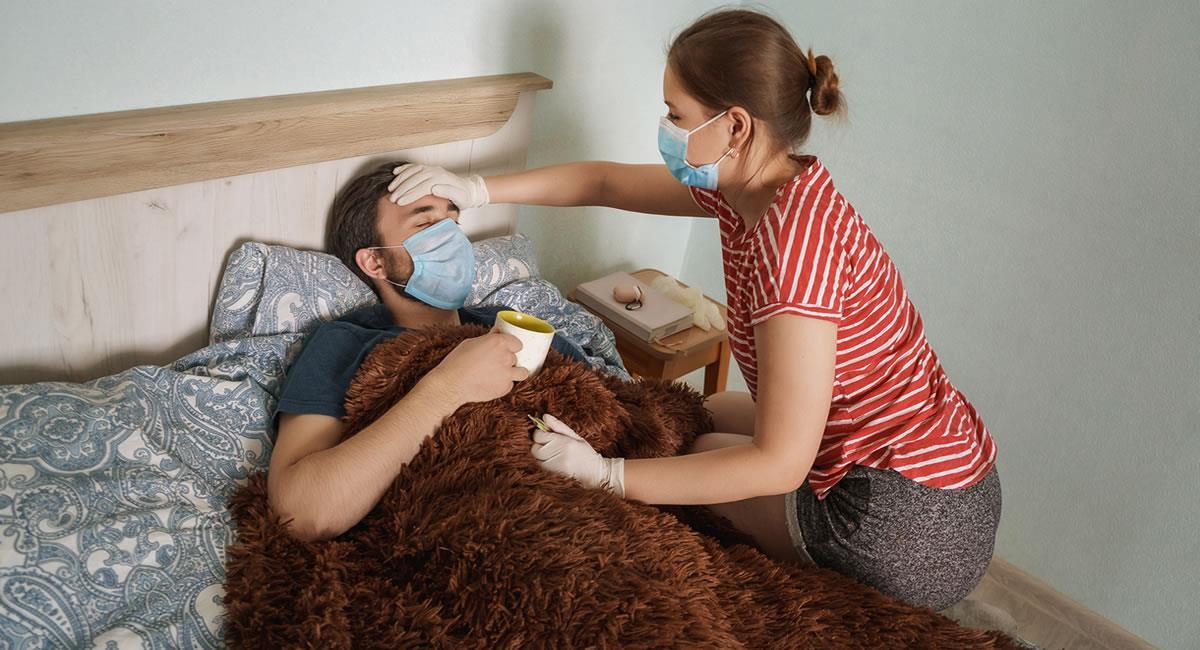 Cuidados para un paciente con COVID-19 que pasa su tratamiento en casa. Foto: Shutterstock