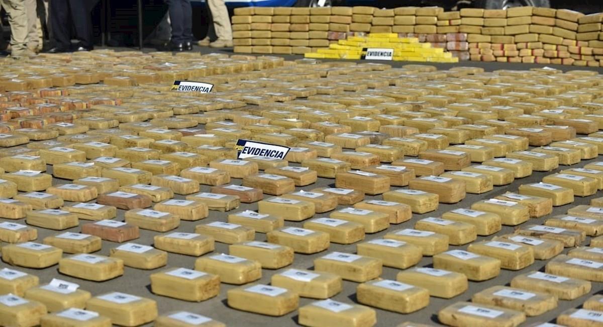 Casi 3 toneladas de droga incautadas provenientes de Bolivia. Foto: EFE