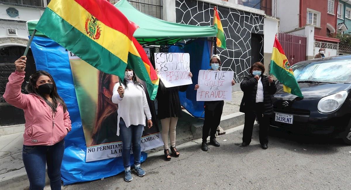 Protestas en rechazo a la detención de Jeanine Áñez. Foto: EFE