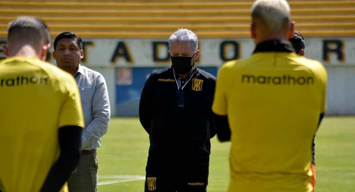 Luis Orozco, el nuevo director técnico de The Strongest. Foto: Facebook @clubthestrongestoficial