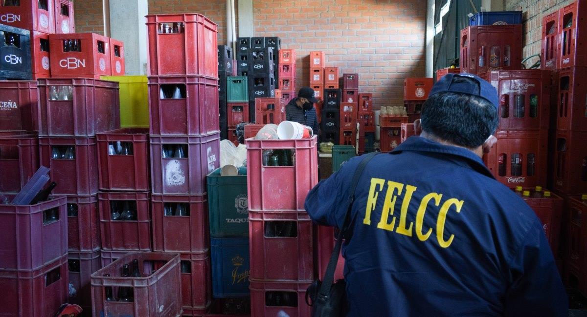 La Policía desbarató una red delincuencial que falsificaba cerveza. Foto: ABI