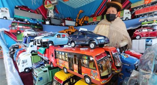 La Feria de la Alasita se amplía hasta el 9 de mayo