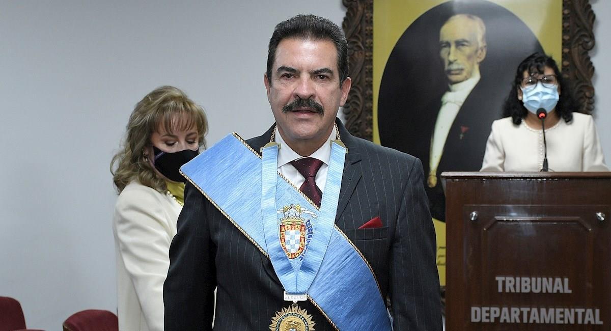 Posesión del alcalde de Cochabamba, Manfred Reyes Villa. Foto: EFE