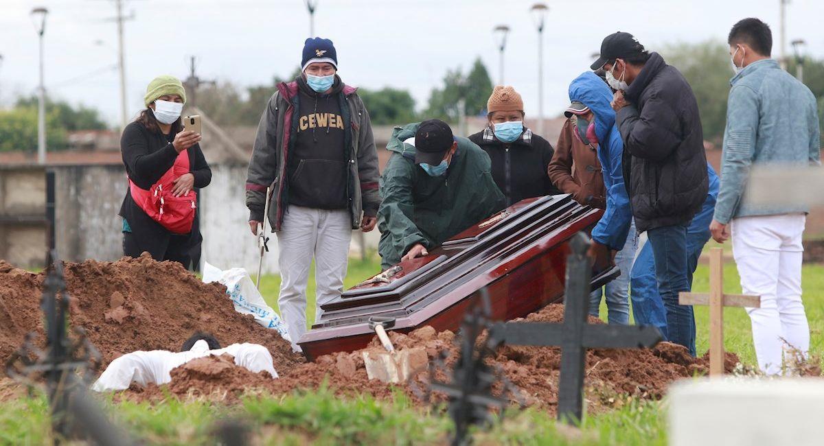 Bolivia ingresa a un tercer pico de contagios. Foto: EFE