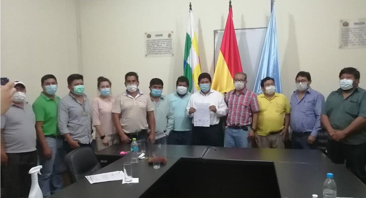 Gobierno y transportistas firmaron un acuerdo. Foto: ABI