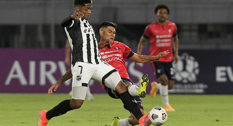 Wilstermann se impone en casa por 1 - 0 ante Ceará