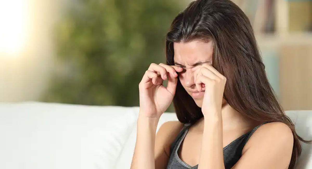 Rascarte los ojos podría empeorar el problema. Foto: Shutterstock